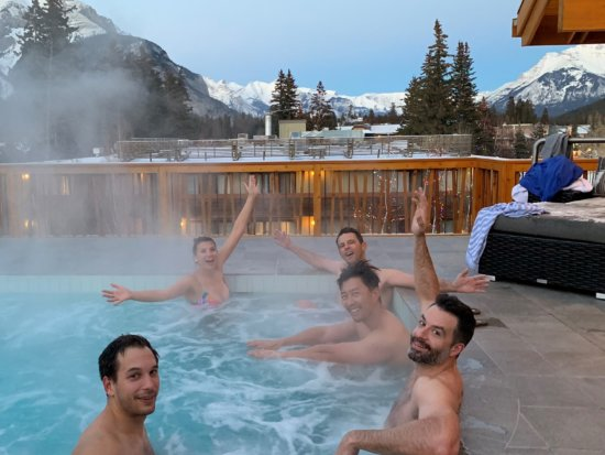 moose hotel hot tub